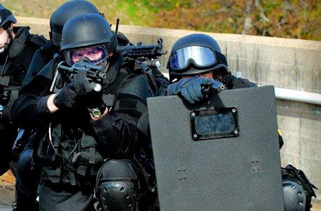 Geschenkgutschein: SWAT Training von Jochen Schweizer