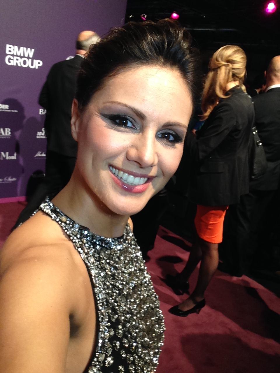 AJOURE Selfie Nazan Eckes