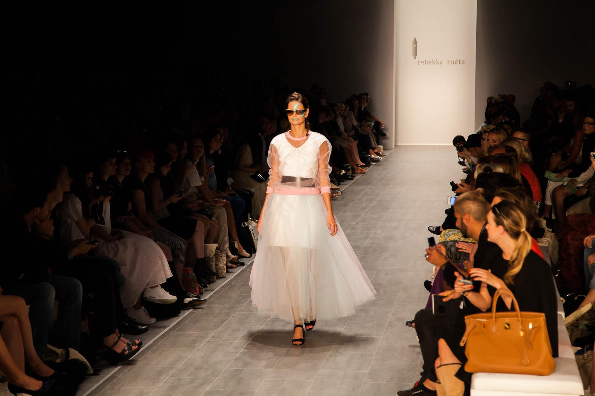 20140708-Fashionweek-RebeccaRuetz-01-2