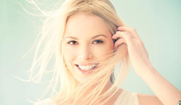 Die besten Pflege- & Styling-Tipps für feines Haar