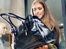 16  Zitate,  warum  unsere  Handtasche das Wichtigste auf der Welt ist