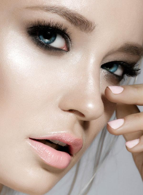 Strobing Make-up