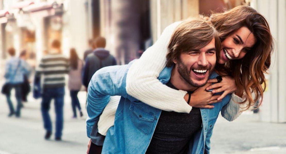 10 Fehler, die  glückliche Paare  niemals tun