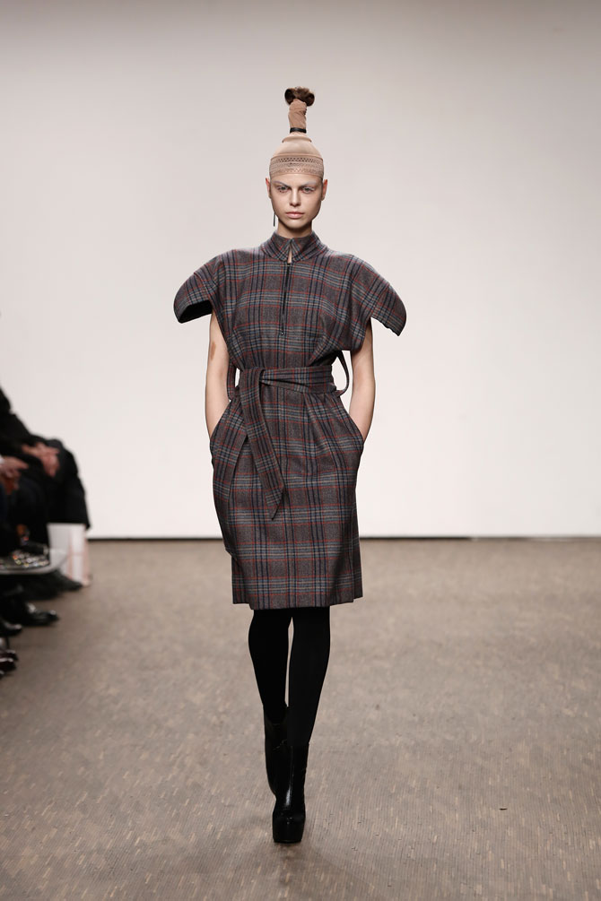 aw-2016_mercedes-benz-fashion-week-berlin_DE_0014_i-vr-isabel-vollrath_61588