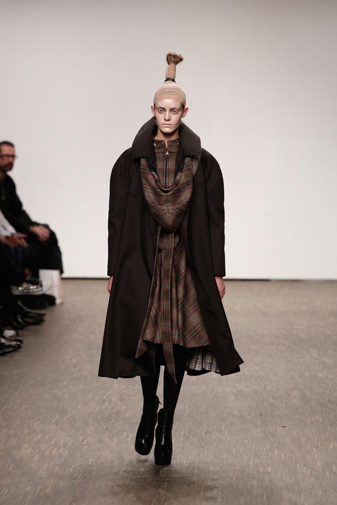 aw-2016_mercedes-benz-fashion-week-berlin_DE_0021_i-vr-isabel-vollrath_61581