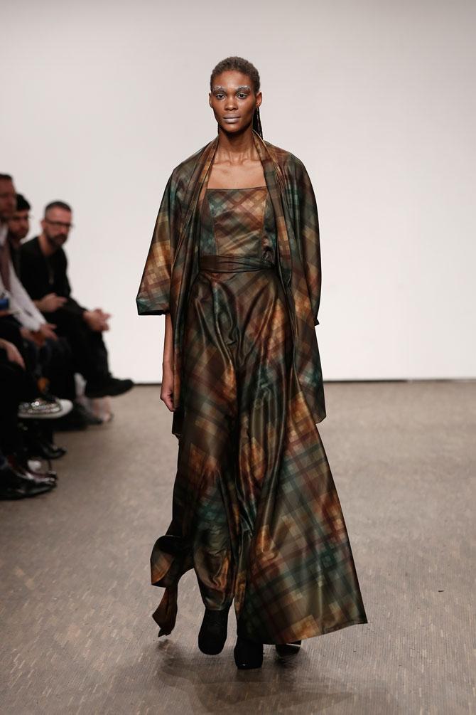 aw-2016_mercedes-benz-fashion-week-berlin_DE_0026_i-vr-isabel-vollrath_61576