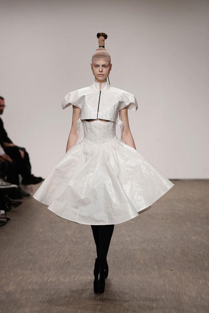 aw-2016_mercedes-benz-fashion-week-berlin_DE_0031_i-vr-isabel-vollrath_61571
