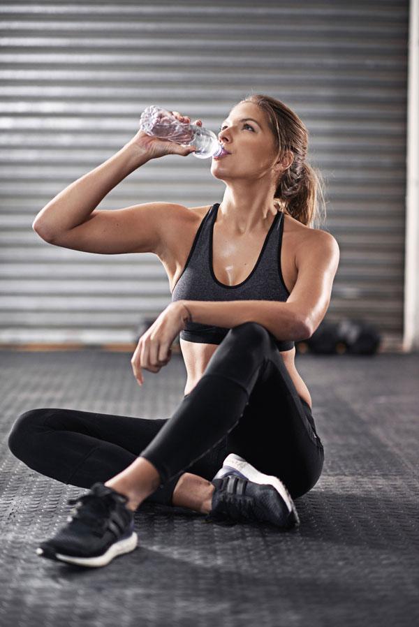 Fitness Mythen Trinken beim Sport