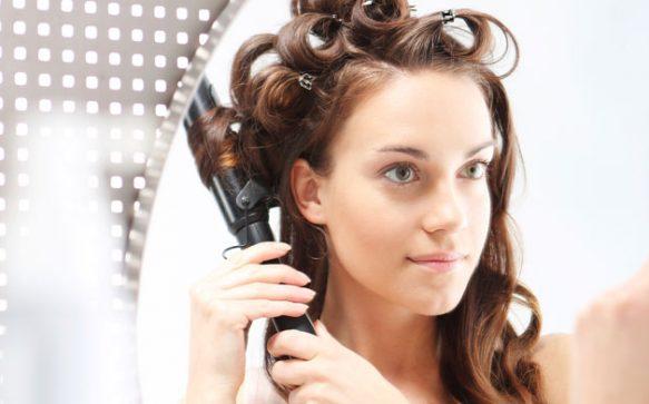 Lockige Haarpracht dank Lockenstab