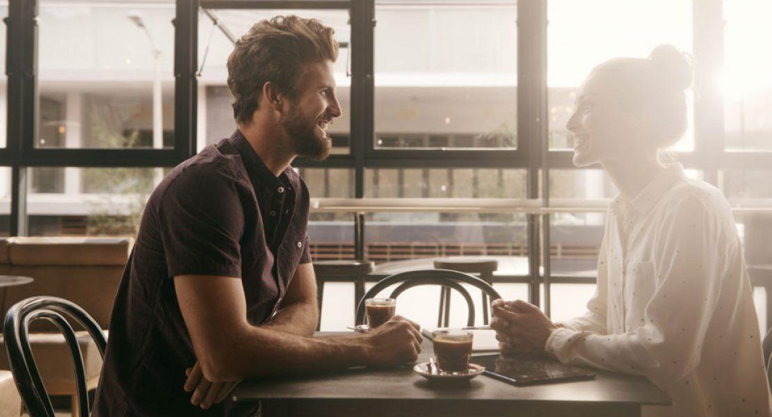 Diese 7 Fragen solltest du gleich beim ersten Date stellen