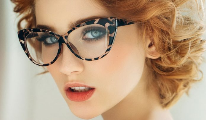 Make-up mit Brille