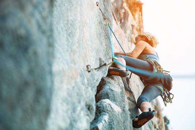Figur durch Klettern