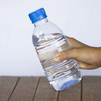 Wasser in Flaschen