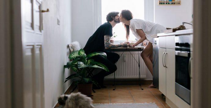 Zusammenziehen:  So klappt's mit der ersten  gemeinsamen Wohnung
