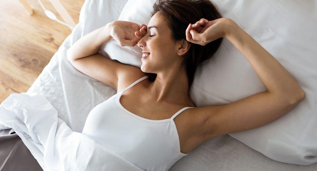 Was du vor dem Schlafengehen essen solltest… und was besser nicht