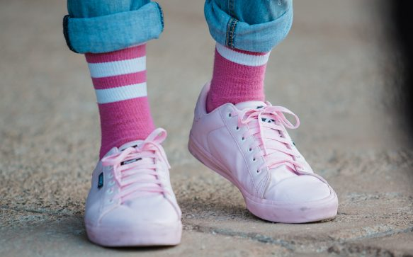 Pastellige Zeiten stehen uns bevor – und zwar mit diesen Sneakers!