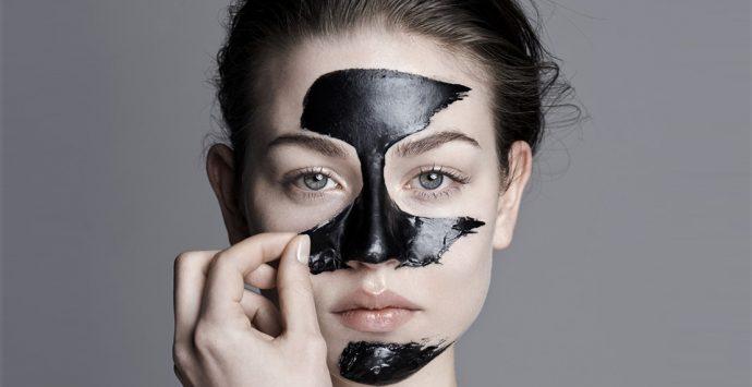 Aktivkohle – Das schwarze Mineral im Beauty-Trend