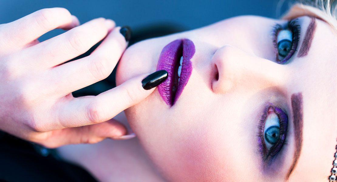 Extreme Lippenbekenntnisse mit coolen Trendfarben