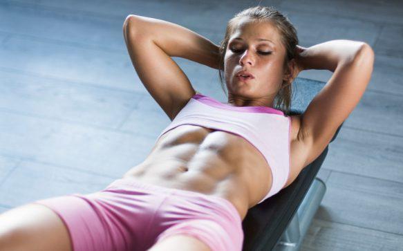Sixpack Attack : 10 effektive Übungen für einen flachen und straffen Bauch