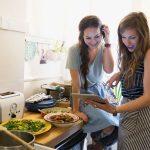 Der Wohngemeinschafts-Knigge: 8 Tipps für das harmonische Zusammenleben in einer WG