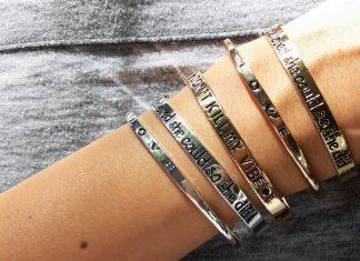 Statement-Armbänder: Talk to my Hand!