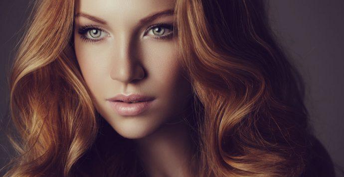 9 Gründe, warum dir die Haare ausfallen
