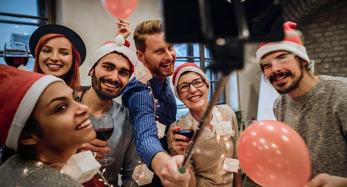 Die Weihnachts-Betriebsfeier: Top-Flirt oder Flop des Jahres?