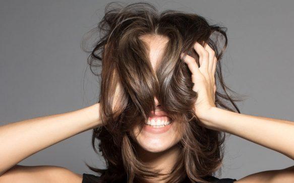 Mehr Volumen! 13 Stylingtricks für dünnes Haar