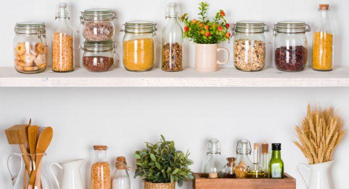 Diese gesunden Lebensmittel gehören in deine Vorratskammer