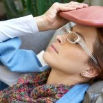 Schmerzen: Wann hilft Wärme, wann Kälte?