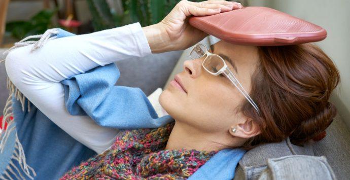 Schmerzen: Wann hilft Wärme und wann Kälte?