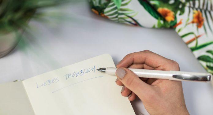 Tagebuch schreiben mit dem Schneider Glam VIP