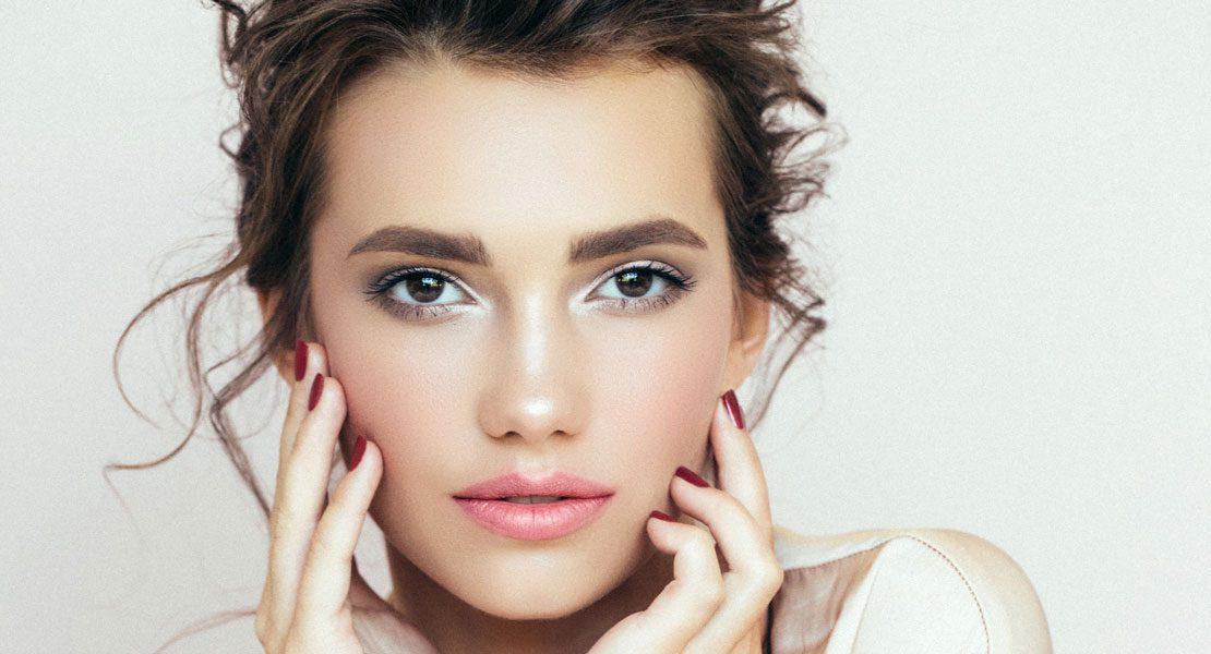 Gene bestimmen nicht alles – Diese Faktoren lassen deine Haut altern
