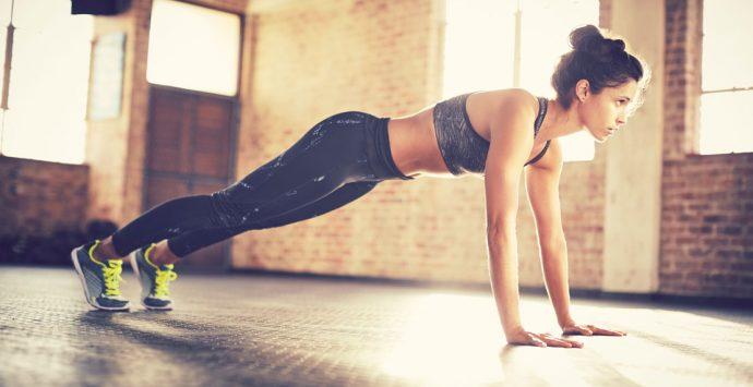 Die 6 besten Ganzkörper-Übungen für zu Hause