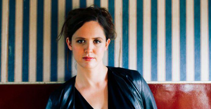 """Emily Cox: """"So viel zu arbeiten geht wirklich nur, wenn man das, was man tut, liebt."""""""