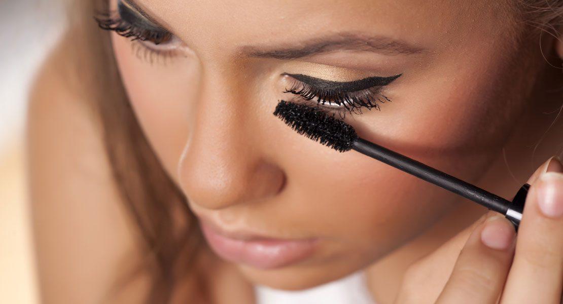 Make-up-Basics für Kontaktlinsenträger