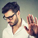 Dein Partner hat schlechte Laune? So kannst du ihm helfen!