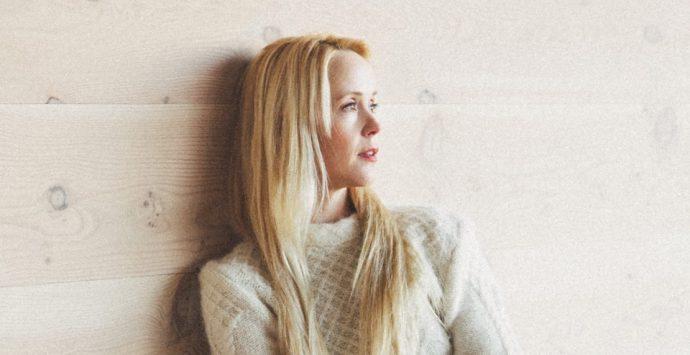 """Tina Dico: Ihr Leben, ihre Musik und ihr neues Album """"Fastland"""""""