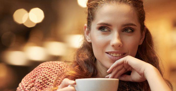 Männer ansprechen:  So flirtest du ihn richtig an
