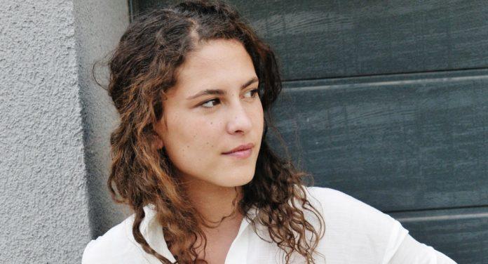 Amanda Da Gloria