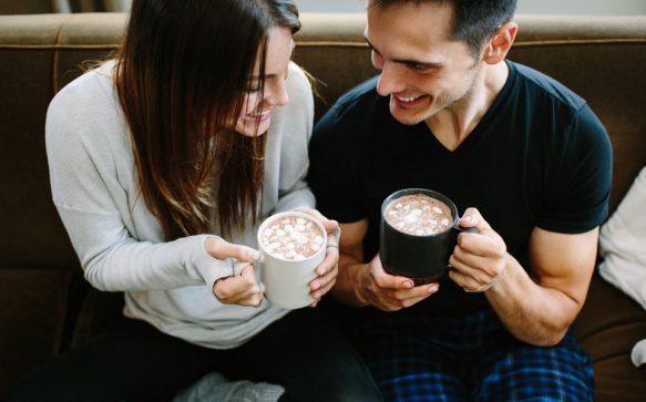 Cuffing – der neue Trend am Dating-Himmel