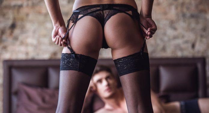 Striptease lernen: Die Kunst sich auszuziehen