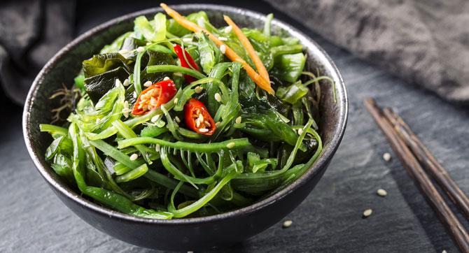 Snacks und Nudeln aus Algen