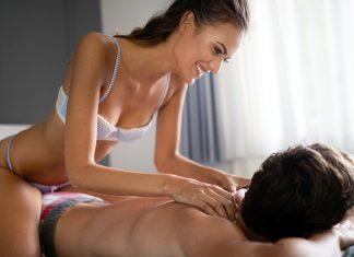 So bringt eine erotische Massage verführerische Abwechslung ins Schlafzimmer