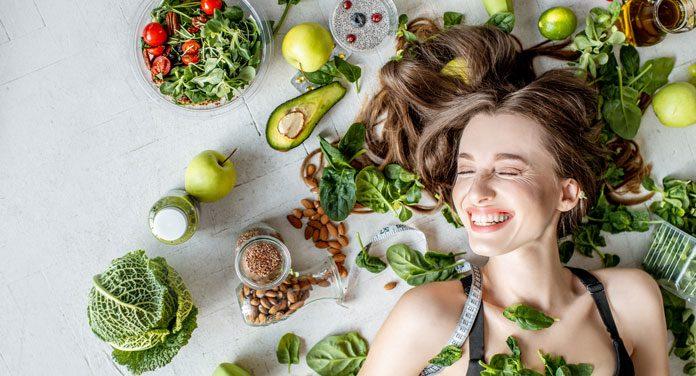 Haut straffen durch Ernährung