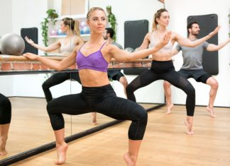 Barre Workout: Fit an der Ballettstange