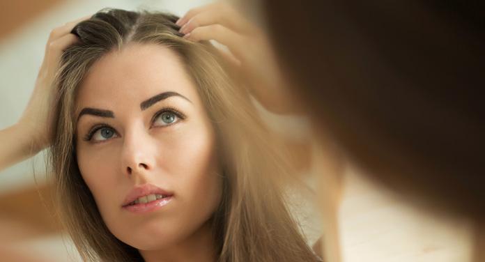 Das kannst du gegen juckende Kopfhaut tun
