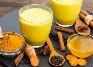 Goldene Milch – Tanke die volle Energie des Kurkuma