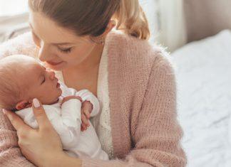 Hurra, unser Baby ist da! So gibst du die Geburt deines Nachwuchses bekannt