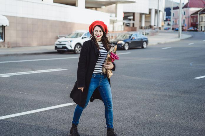 Französinnen - Look mit Streifenshirt